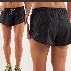 Lululemon Run: Roll Down Shorts Black Size 4